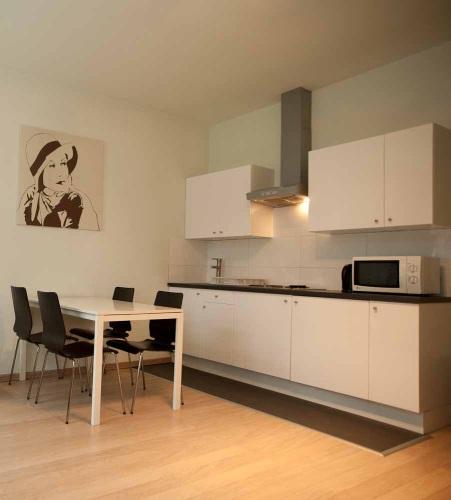 Furnished Studio Apartments: Modern Furnished Studio For Rent